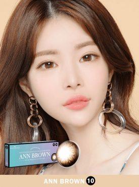 A Asian girl wear Ann365 Ann Brown Daily color contact lens