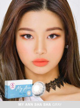A Beautiful girl wears Ann365 MY ANN Sha Sha Gray Colored contact lenses