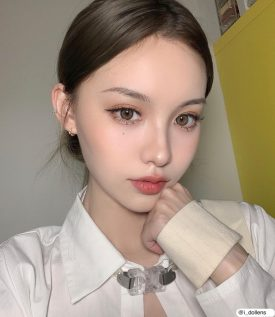 Girl's eyes wear IDol lens CANNA ROZE NUDE BROWN color contact lens
